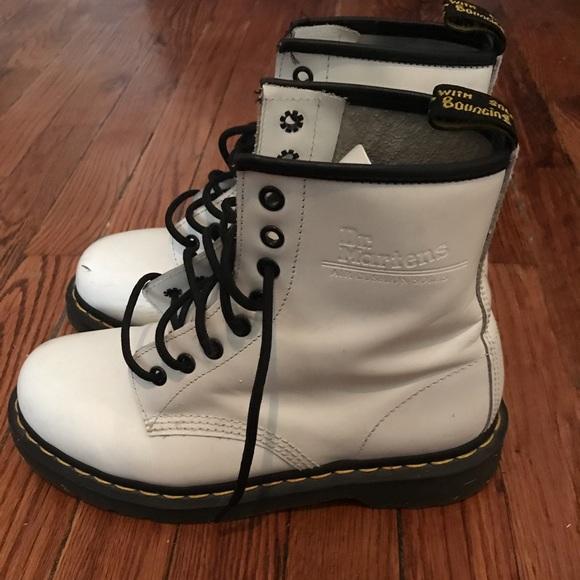 White leather Dr.martens air cushion soles